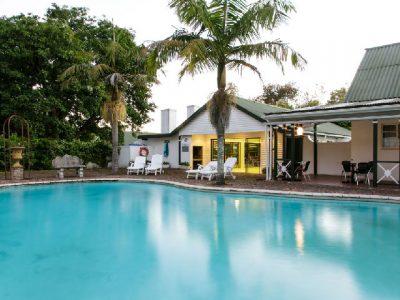 swimming-pool,-games-room,-hunters-pub,-cafe-bacchus